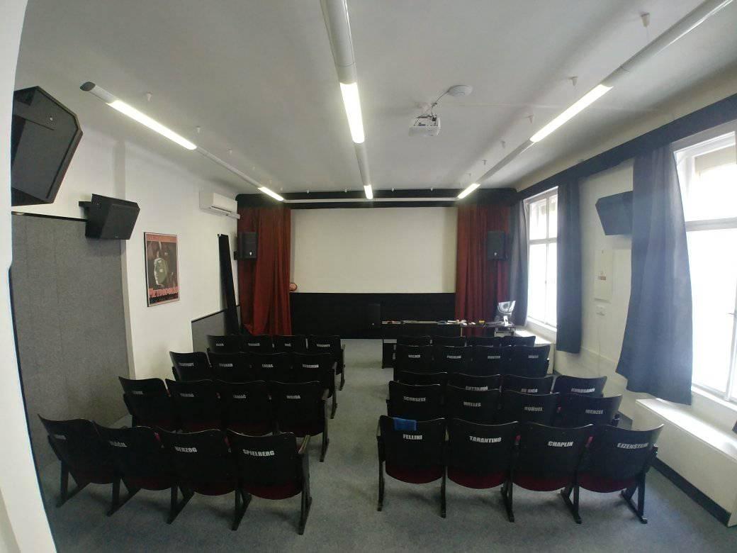 Školní kinosál v Panské